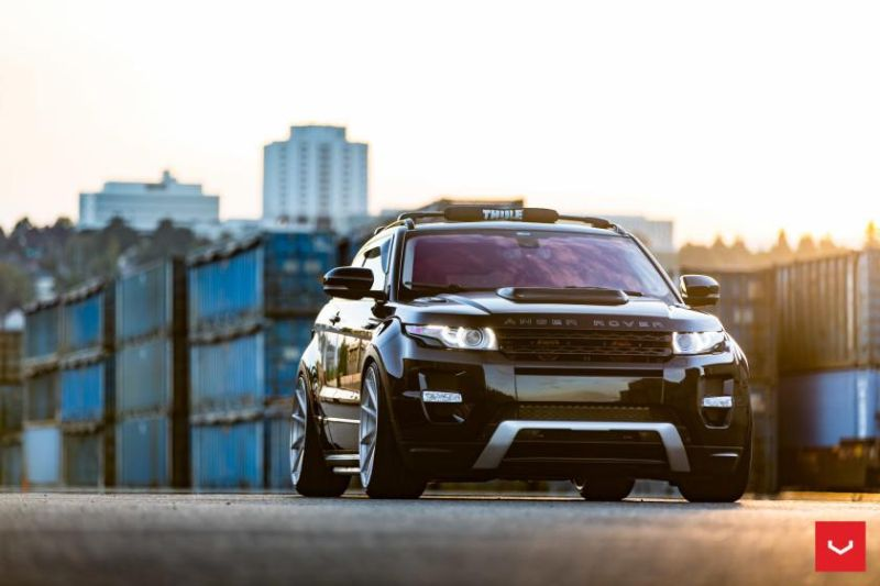 Range-Rover-Evoque-on-Air-Suspension-Vossen-CVT-Wheels-©-Vossen-Wheels-2015-1183-840x560