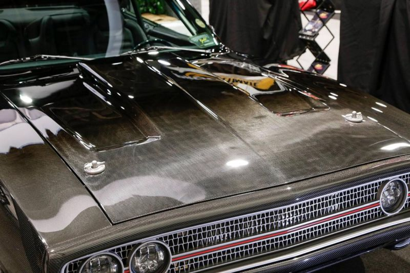 carbon-fiber-1970-dodge-charger-with-debut-at-sema-2015_1-12