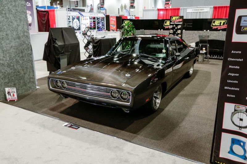 carbon-fiber-1970-dodge-charger-with-debut-at-sema-2015_1-6