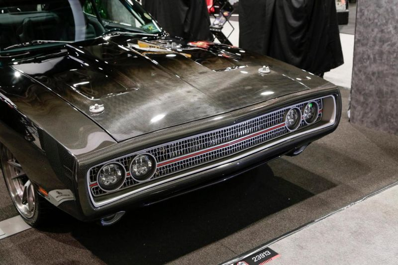 carbon-fiber-1970-dodge-charger-with-debut-at-sema-2015_1-8
