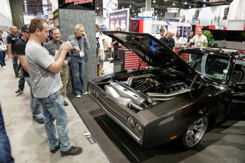 carbon-fiber-1970-dodge-charger-with-debut-at-sema-2015_1-9