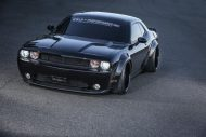 challenger 02 4a2412f3f8ed7a8bba new 2 190x127 Noch brutaler   Liberty Walk Dodge Challenger from Hell!