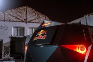 red bull reveals armored event vehicle with tuning copy 4 190x127 Red Bull extremo Land Rover Defender 130