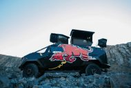 red bull reveals armored event vehicle with tuning copy 7 190x127 Red Bull extremo Land Rover Defender 130