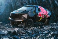 red bull reveals armored event vehicle with tuning copy 8 190x127 Red Bull extremo Land Rover Defender 130