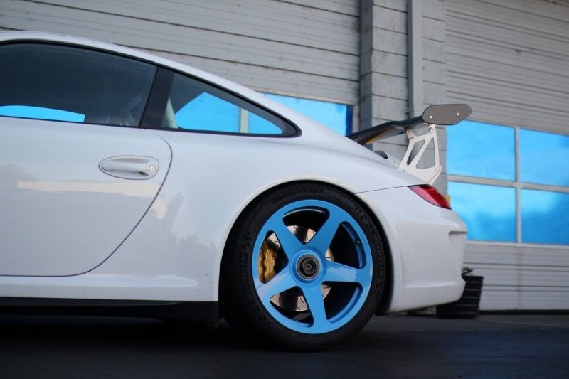 12248167 10153694059961698 1019522060757950265 o Hellblaue HRE Performance Wheels am Porsche 911