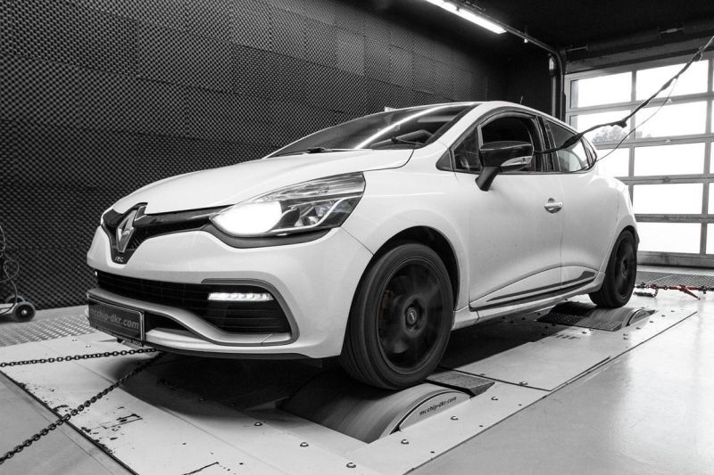 12322739 10153652694241236 1562231074227659650 o Renault Clio RS 1.6 Turbo mit 217PS by Mcchip DKR