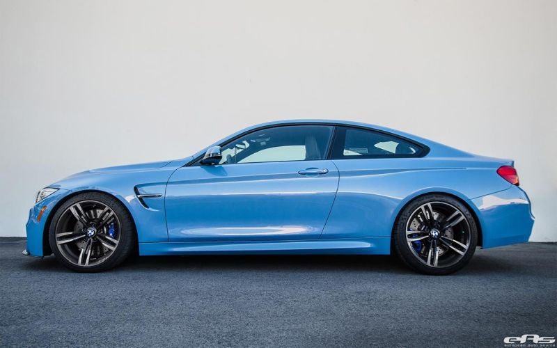 A Yas Marina Blue BMW F82 M4 With A Lightweight Upgrade 1 BMW M4 F82 in Yas Marina Blue   Tiefer & mehr schick!