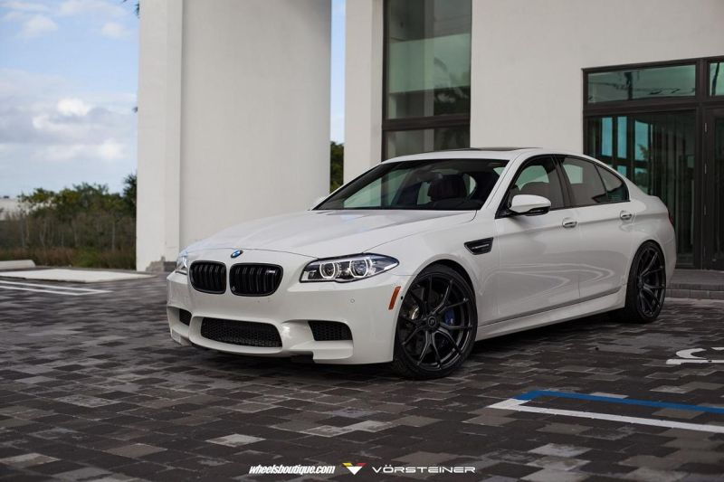 Alpine-White-BMW-F10-M5-On-Vorsteiner-V-FF-103-Wheels-1
