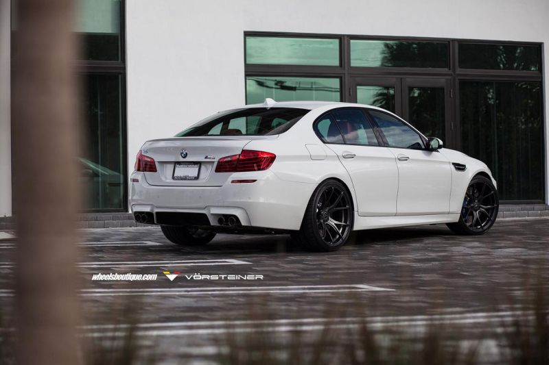 Alpine-White-BMW-F10-M5-On-Vorsteiner-V-FF-103-Wheels-12