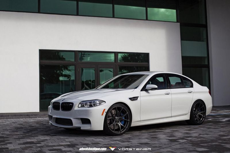 Alpine-White-BMW-F10-M5-On-Vorsteiner-V-FF-103-Wheels-4