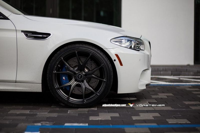 Alpine-White-BMW-F10-M5-On-Vorsteiner-V-FF-103-Wheels-6