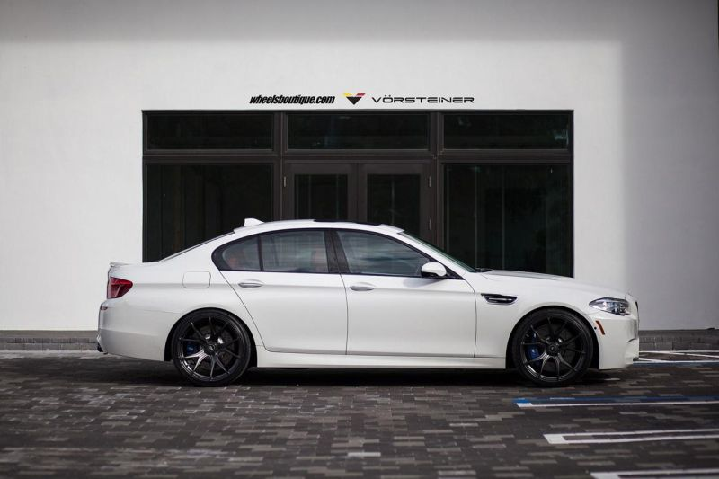 Alpine-White-BMW-F10-M5-On-Vorsteiner-V-FF-103-Wheels-8