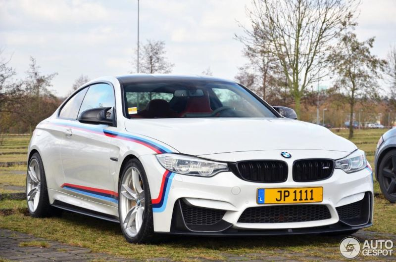 BMW M4 Racing autogespot 1 Fotostory: BMW M4 F82 mit Carbon Parts und M Livree