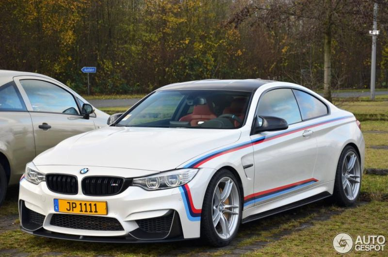 BMW M4 Racing autogespot 5 Fotostory: BMW M4 F82 mit Carbon Parts und M Livree