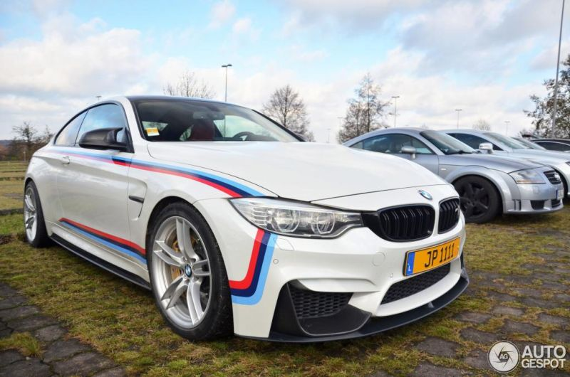 BMW M4 Racing autogespot 6 Fotostory: BMW M4 F82 mit Carbon Parts und M Livree