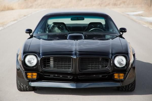 Pontiac-Firebird-tuning-restomod-10