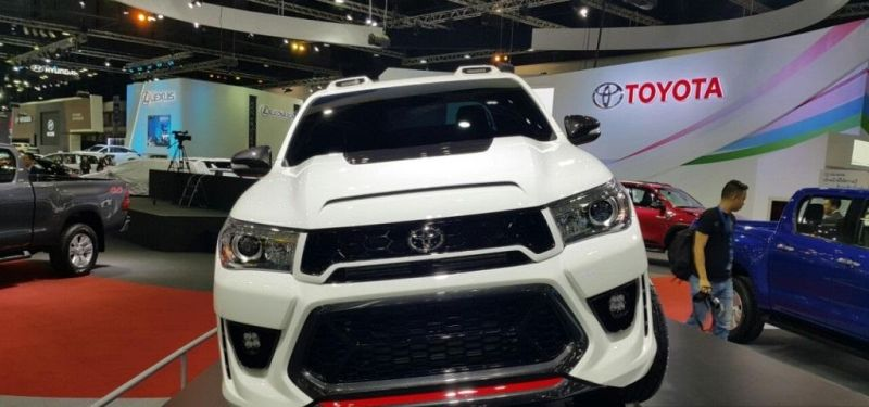 Toyota-Hilux-Revo-TRD-concept-front-a-pics-new-1