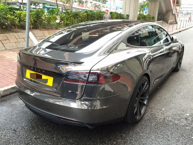black chrome model s tuning impressive 7 Schwarz Chrom foliertes Tesla Model S by Impressive Wrap