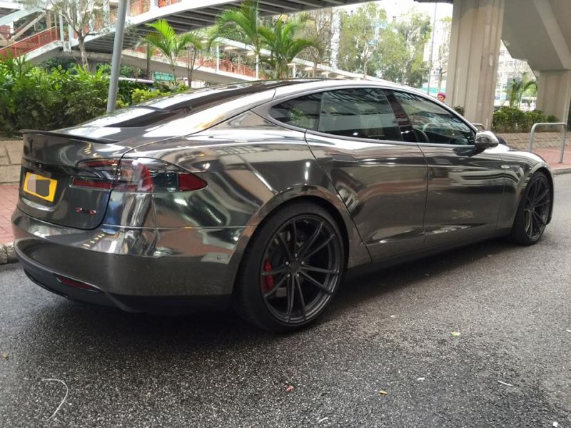 black chrome model s tuning impressive 8 Schwarz Chrom foliertes Tesla Model S by Impressive Wrap
