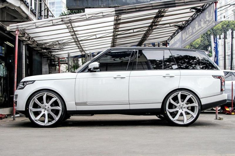 12465829 10153348700226662 8818678050097477533 o Riesig   Forgiato Wheels ECL in Silber am Range Rover Sport