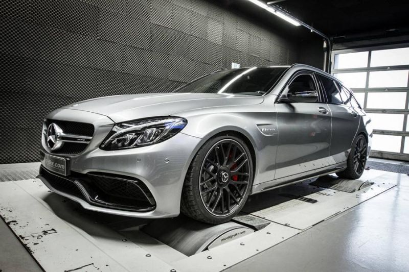 12465849 10153727245071236 7655624249784232490 o KW Federn & 590PS im C63 AMG's von Mcchip DKR SoftwarePerformance