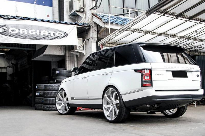 12469568 10153348700371662 8496157217151184333 o Riesig   Forgiato Wheels ECL in Silber am Range Rover Sport