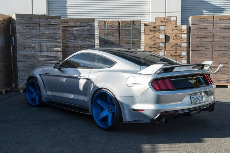 12471768 10153333995886662 7663265073618172345 o Fotostory: Widebody Ford Mustang GT auf blauen Forgiato's