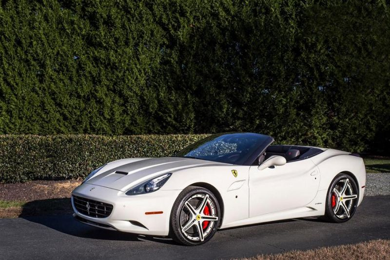 12485811 10153353227431662 7191056748227810778 o Weiße Forgiato Wheels am eleganten Ferrari California