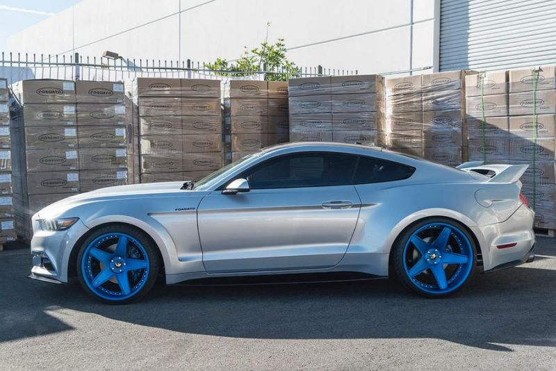 12489178 10153333995781662 1926536169124731686 o Fotostory: Widebody Ford Mustang GT auf blauen Forgiato's