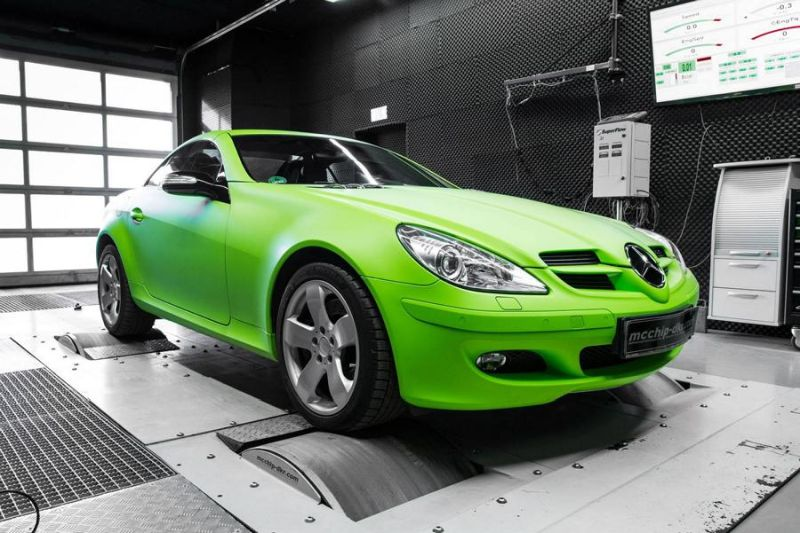 12493911 10153747383331236 4180759971129411904 o Crazy Outfit   Mercedes SLK 350 V6 mit 289PS by Mcchip DKR