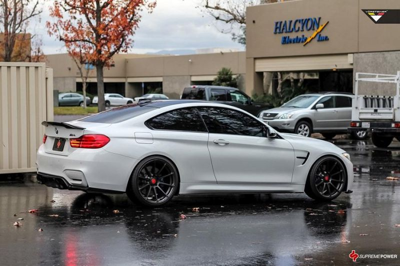 Alpine White BMW M4 By Supreme Power tuning car 3 Supreme Power    Tuning am BMW M4 F82 in Alpine Weiß