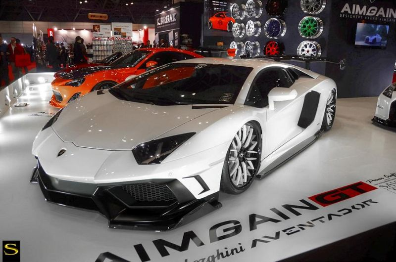 Savini-wheels-savini-forged-sv65-xc-black-and-white-fnish-white-lamborghini-aventador-aimgain3