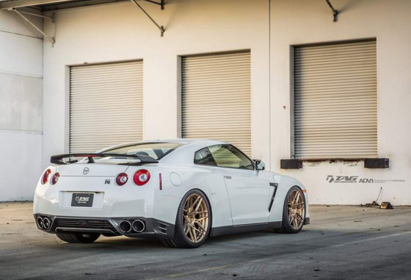 nissan gtr r35 adv1 wheels forged custom light weight racing bronze gold san diego wallapaper f w940 h641 cw940 ch641 thumb Nissan GT R in Weiß auf goldenen 21 Zoll ADV.1 Wheels