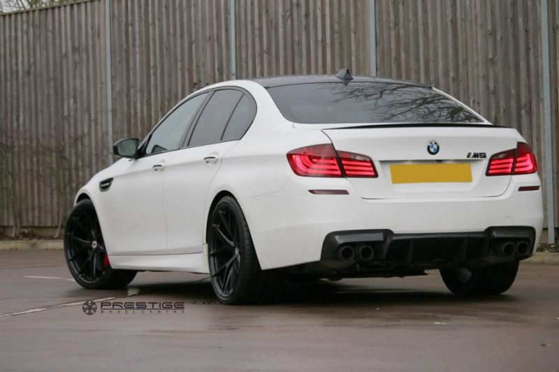 20 Zoll HRE P101 Radsatz Tuning BMW M5 F10 2 Dezenter M5   HRE Performance Wheels am BMW M5 F10