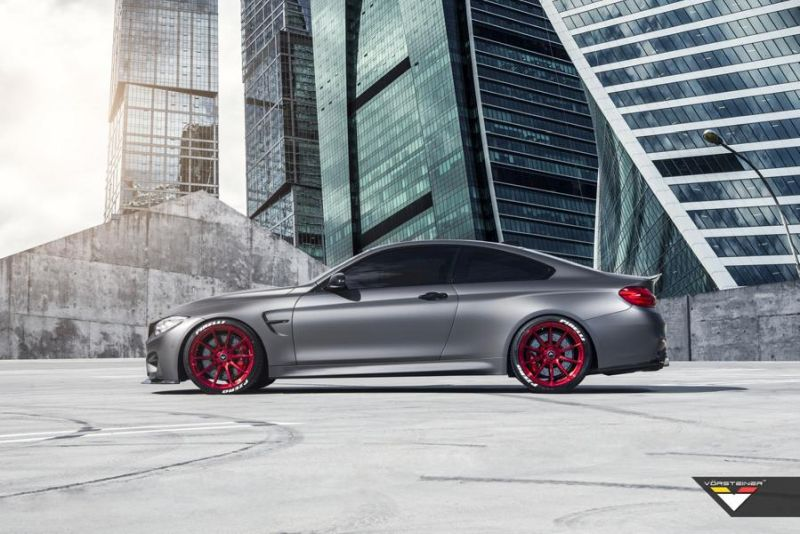 BMW M4 F82 Frozen Gray Vorsteiner Tuning R1 Motorsport 2 BMW M4 F82 in Frozen Grey mit Vorsteiner Tuning