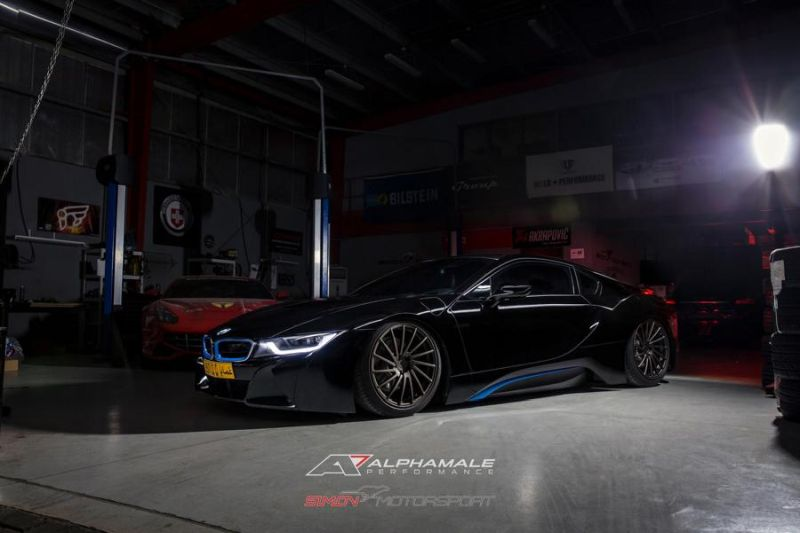 BMW i8 Simon Motorsport Alphamale Performance Accuair AMP 15T 1 Dezent   BMW i8 von Simon Motorsport & Alphamale Performance