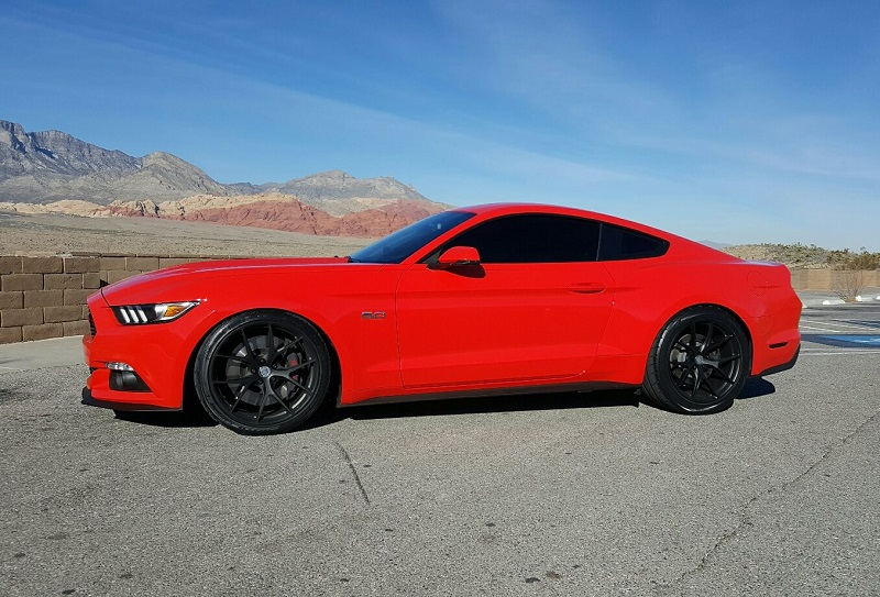 Ford Mustang HRE P101 Alufelgen Tuning 1 Roter Ford Mustang auf schwarzen HRE P101 Alufelgen