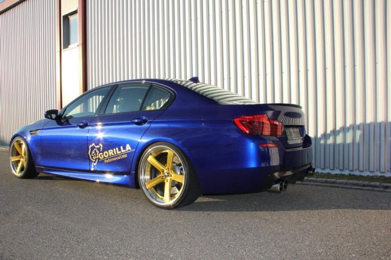 BMW M5 F10 20 Zoll Work Wheels Zeast Felgen 2 BMW M5 F10 in Blau auf goldenen 20 Zoll Work Wheels Alu's