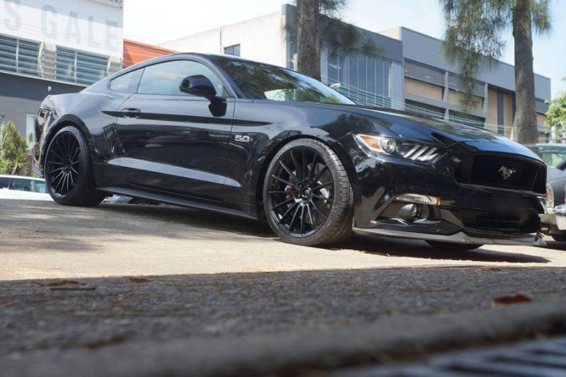 CPC Ford Mustang GT auf 20 Zoll HRE Alu's 7
