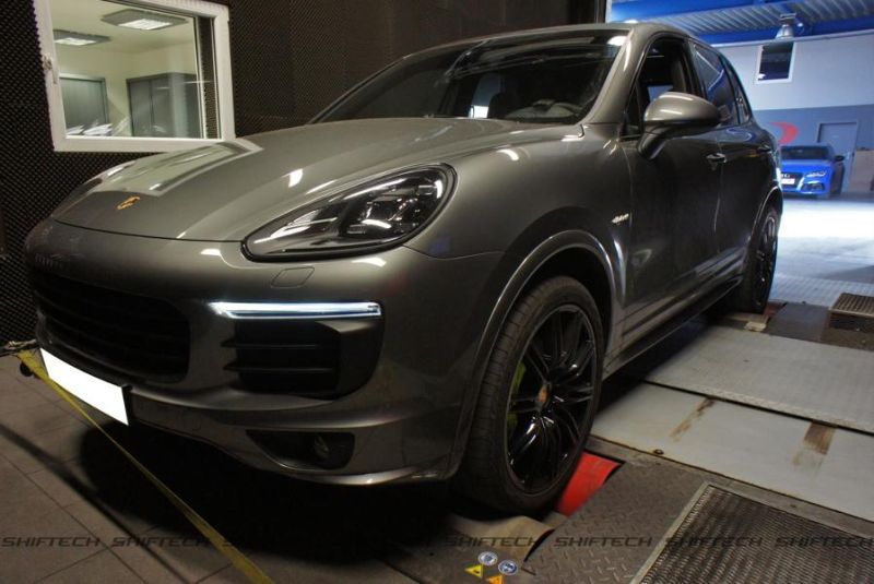 Porsche Cayenne 3.0 E-Hybrid 498PS Chiptuning Shiftech Engineering 1