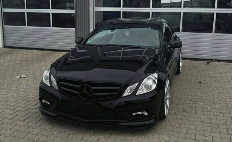 edel rfk tuning mercedes e class coupe to 20 inches magazine. Black Bedroom Furniture Sets. Home Design Ideas
