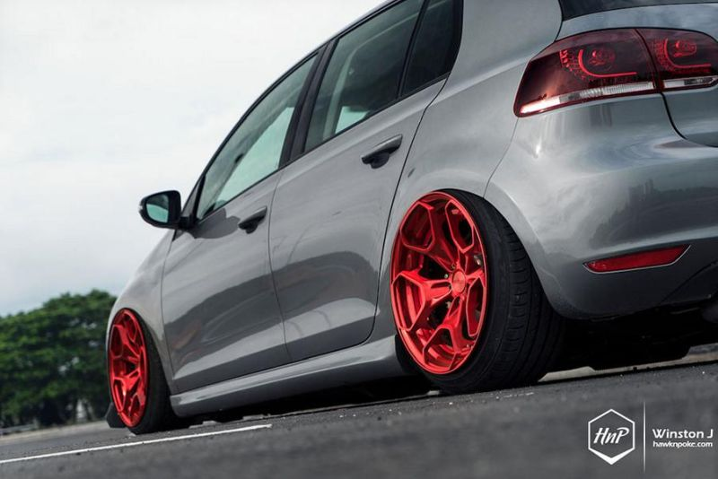 dezent potent vw golf mk6 auf rotiform hur alufelgen. Black Bedroom Furniture Sets. Home Design Ideas
