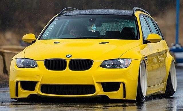 BMW E93 M3 Umbau Gelb Tuning slammed 1 Neongrüner BMW E91 M3 Touring by tuningblog.eu