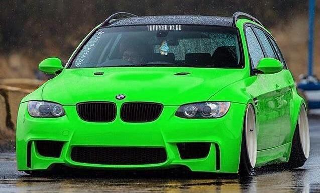 BMW E93 M3 Umbau Neongrün Tuning slammed 1