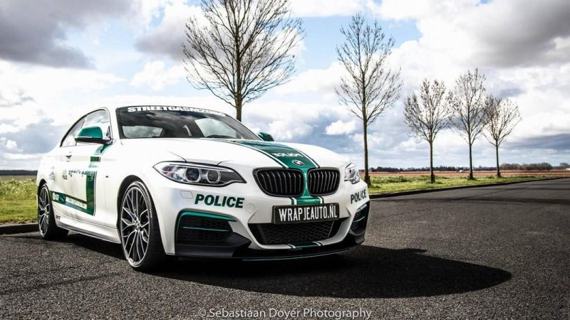 BMW M235i Dubai Polizeistyle Folierung Holland Tuning VDE 5
