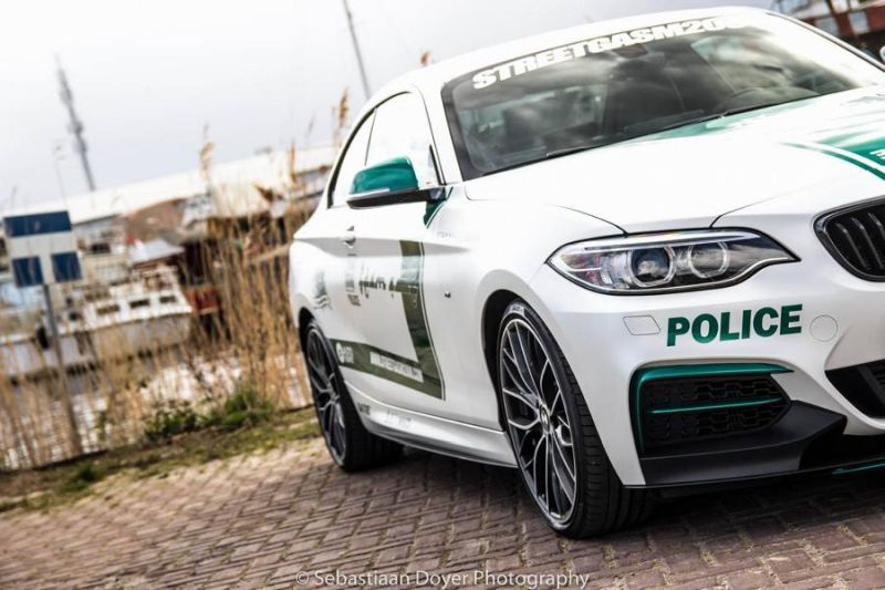 BMW M235i Dubai Polizeistyle Folierung Holland Tuning VDE 6