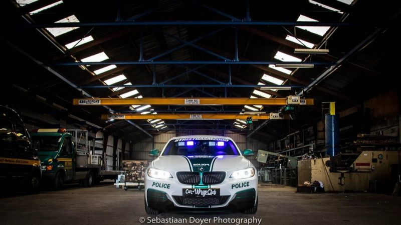 BMW M235i Dubai Polizeistyle Folierung Holland Tuning VDE 7