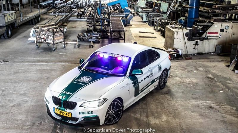 BMW M235i Dubai Polizeistyle Folierung Holland Tuning VDE 8