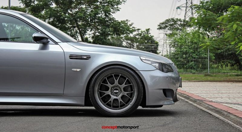 BMW M5 E60 V10 20 Zoll BBS LM-R Tuning Concept Motorsport 8